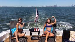 Usai pertunangan Hailey dan Justin, Selena terlihat tengah bersenang-senang dan pergi liburan musim panas. (instagram/tmarie247)