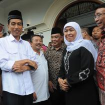 Jokowi dan Khofifah (Liputan6.com/Herman Zakharia)