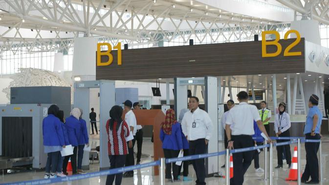 Suasana simulasi Pelayanan Bandara Kertajati saat penerbangan komersial pertama. Foto (Liputan6.com / Panji Prayitno)