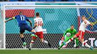 Duel Polandia vs Slovakia pada Grup E Euro 2020 di Krestovsky Stadium, Senin (14/6/2021) atau Selasa dini hari WIB. (AFP/Kirill Kudryavtsev)