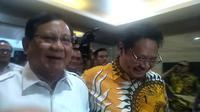 Ketua Umum Partai Gerindra Prabowo Subianto menyambangi Kantor DPP Partai Golkar. (Merdeka/Sania Mashabi)