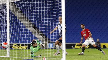 FOTO: MU Hajar Brighton, Bruno Fernandes Cetak 2 Gol