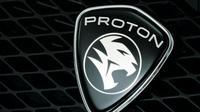 Presiden Joko Widodo (Jokowi) meneken kontrak kerjasama dengan Proton Holdings Berhad untuk pengembangan dan produksi mobil nasional.