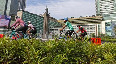 Minggu Pertama 2021, Bundaran HI Ramai Pesepeda