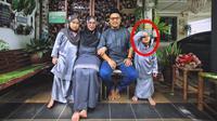 Pose nyeleneh dalam foto keluarga (Sumber: Twitter/AkmalHaez)