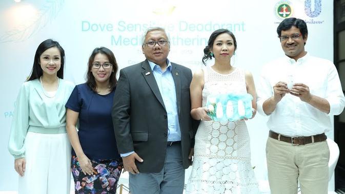 Dove Sensitive Deodorant, Solusi Terbaru Utk Perempuan Dngn Kulit Ketiak Sensitif