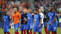 Ekspresi kebahagiaan pemain Prancis usai mengalahkan Belanda pada kualifikasi Piala Dunia 2018 Grup A di Stade de France stadium, Saint-Denis, (31/8/2017). Prancis menang 4-0. (AP/Christophe Ena)