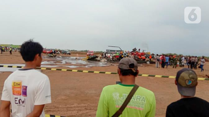 Detik-Detik Menegangkan Penumpang Keluar Saat Helikopter TNI AD Jatuh dan Meledak