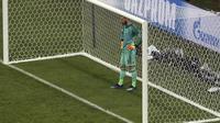 David de Gea bermain buruk saat Spanyol bermain imbang 3-3 melawan Spanyol pada laga perdana Grup B Piala Dunia 2018 di Fischt Stadium, Sochi, Sabtu (16/6/2018). (AP Photo/Thanassis Stavrakis)