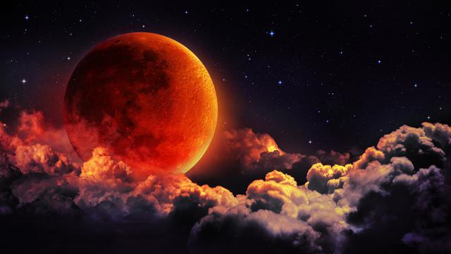 Blood Moon Muncul Akhir Pekan Ini, Apa Dampak untuk Kesehatan? (Romolo-Tavani/Shutterstock)