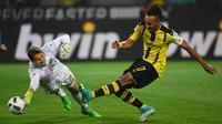 2. Pierre-Emerick Aubameyang (Borussia Dortmund) - Perkiraan klub tujuan Paris Saint-Germain. Harga sekitar 60 - 90 juta Euro. (AFP/Patrik Stollarz)