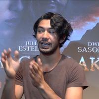 Reza Rahadian kembali bermain dalam genre horor sejak debut filmnya di 2007 lalu yang bergenre horor juga.