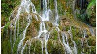 Ait terjun Siata Mauhalek ini memiliki pesona tersendiri. Wisata air terjun ini terletak di Dusun Fatumuti, Desa Raiulun, Kecamatan Lasiolat, Kabupaten Belu, ini diberi nama Siata Mauhalek