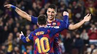 5. Luis Suarez - Suarez dan Messi memiliki koneksi yang apik pada lini serang Barcelona. Kedua pemain sempurna untuk satu sama lain, mereka finisher yang mumpuni, punya dribel hebat, dan senang saling menciptakan peluang untuk rekannya.(AFP/Josep Lago)