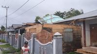 Rumah warga yang rusak akibat angin kencang di Kabupaten Kepulauan Talaud, Provinsi Sulawesi Utara (Sulut). (Liputan6.com/Istimewa)
