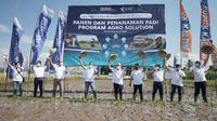 Direktur Utama Pupuk Indonesia Bakir Pasaman saat melakukan pencanangan program Agro Solution di Jember, Kamis (5/11) (dok: humas)
