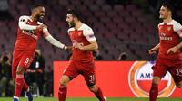 Alexandre Lacazette berhasil mencetak gol tunggal kemenangan Arsenal atas Napoli, dalam laga leg kedua perempat final Liga Europa, di Stadio San Paolo, Kamis (18/4/2019). (AFP/Andreas Solaro)