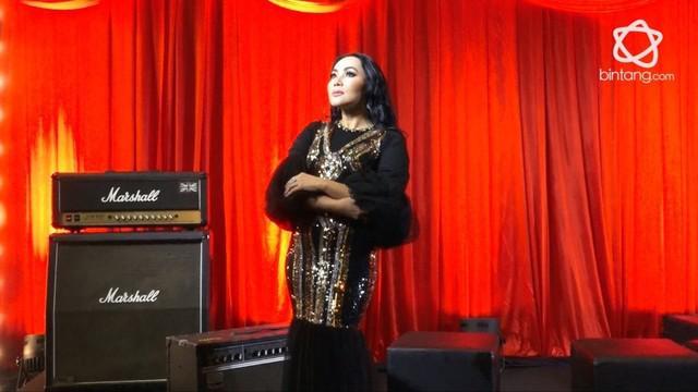 Cerita Dewi Gita dari penyanyi pop hingga jadi sinden.