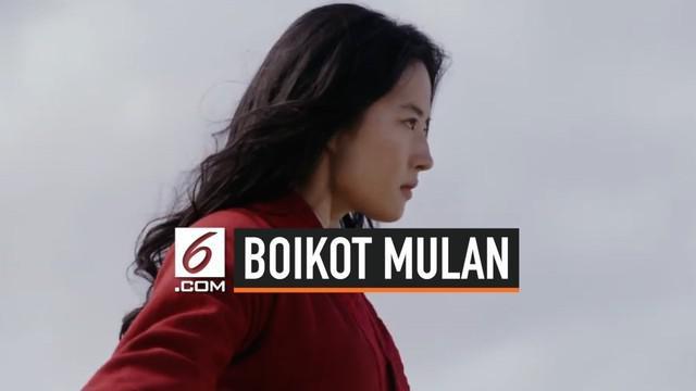 Pemeran tokoh Mulan, Liu Yifei menjai pembicaraan karena terang-terangan mendukung kepolisian Hong Kong mengatasi demonstrasi. Tagar boikot Mulan pun muncul di media sosial.