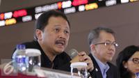 Direktur Utama BEI, Tito Sulistio  memberikan keterangan kepada wartawan terkait respon BEI Terhadap Terorisme , di BEI, Jakarta, Senin (18/1). Tito menjelaskan para investor tetap bertahan di perdagangan. (Liputan6.com/Angga Yuniar)