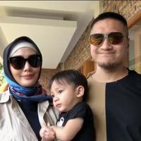 Hari ini masyarakat Indonesia geram terhadap aksi bom bunuh diri yang terjadi di tiga gereja di Surabaya, Jawa tiMUR. Aksi tersebut terus menuai kecaman dari berbagai lapisan masyarakat