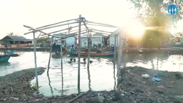 Abrasi merupakan ancaman yang sudah dan bahkan akan terus terjadi dari waktu ke waktu bagi mereka yang tinggal di beberapa wilayah pesisir utara Pulau Jawa.