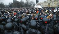 Demonstrasi anti-pemerintah di St. Petersburg, Rusia, pada Sabtu 23 Januari 2021 (AP / Dmitri Lovetsky)