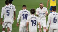 Real Madrid meraih kemenangan 3-0 atas Cadiz pada laga pekan ke-32 La Liga di Estadio Ramon de Carranza, Kamis (22/4/2021) dini hari WIB. (AFP/JORGE GUERRERO)