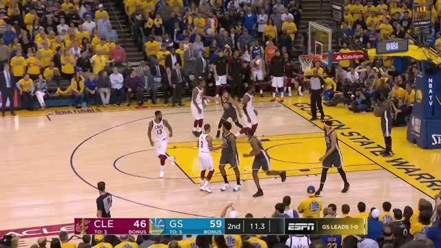 Berita video game recap NBA 2017-2018 antara Golden State Warriors  melawan Cleveland Cavaliers dengan skor 122-103.