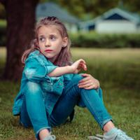 Anak sedih jika dimarahi/copyright: unsplash/janko ferlic