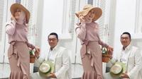 Atalia Kamil dan Ridwan Kamil bergaya Noni dan Sinyo Belanda. (dok.Instagram @ataliapr/https://www.instagram.com/p/B2VTir3HlPc/Henry)