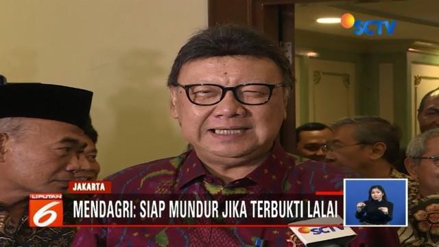 Lagi, ribuan E-KTP utuh ditemukan di Padang, Sumatra Barat. Mendagri Tjahjo Kumolo, siap bertanggung jawab jika terbukti lalai dalam mengelola E-KTP.