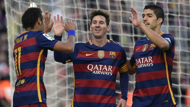 Lionel Messi membawa Barcelona bungkam Granada 4-0 dengan sumbangan 3 golnya dalam lanjutan La Liga, Sabtu (9/1/2016) WIB.