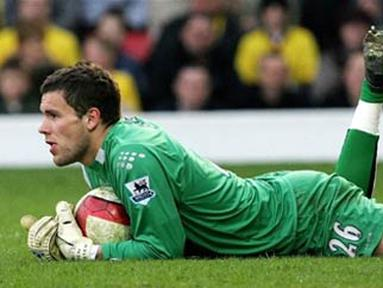 Watford's goalkeeper, Ben Foster is seen during their Premiership match against Chelsea at home to Watford, 31 March 2007. The match ended with a 1-0 win to Chelsea after a late goal from Kalou. AFP PHOTO/CARL DE SOUZA.