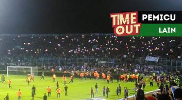 Berita video Time Out kali ini tentang pemicu lain soal aksi Aremania pada laga Arema FC vs Persib Bandung pada pekan keempat Gojek Liga 1 2018 bersama Bukalapak.
