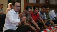 Redam Konflik, Tirulah Cara Menteri Hanif Berdialog dengan Pekerja
