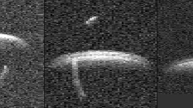 Serangkaian gambar radar tahun 2001 yang diambil dengan teleskop radar Goldstone NASA menunjukkan 1999 KW4. (Kredit: Dr. Steven Ostro et al./NASA)