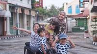 Zaskia Adya Mecca sempat stres saat mengajari anak-anaknya (Dok.Instagram/@zaskiaadyamecca/https://www.instagram.com/p/B-5jFvhHXRP/Komarudin)