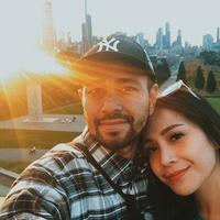 Raffi Ahmad dan Nagita Slavina memanfaatkan moment liburan panjang untuk berlibur ke Australia. Raffi juga mengunggah foto mesranya dengan Nagita. (Liputan6.com/raffinagita1717)