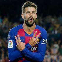 1. Gerard Pique (Barcelona) - Jebolan La Masia ini merupakan salah satu bek tengah terbaik dan masih menjadi andalan lini pertahanan Barcelona. Pique kembali ke Camp Nou setelah El Barca memboyongnya dari Manchester United dengan harga yang murah meriah yakni 5 juta euro. (AFP/Pau Barrena)