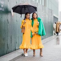 Warna yang identik dengan Gen Z ini semakin bersinar di kalangan fashion enthusiast.