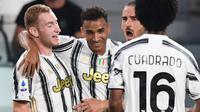 Striker Juventus, Dejan Kulusevski, berhasil mencetak satu gol sekaligus membantu timnya menang 3-0 atas Sampdoria pada laga pekan perdana Serie A musim ini di Allianz Stadium, Senin (21/9/2020). (AFP/Miguel Medina)