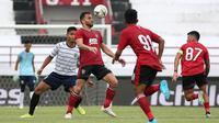 Laga uji coba Bali United vs Persela di Stadion I Wayan Dipta, Gianyar (w/2/2020). (Bola.com/Aditya Wany)