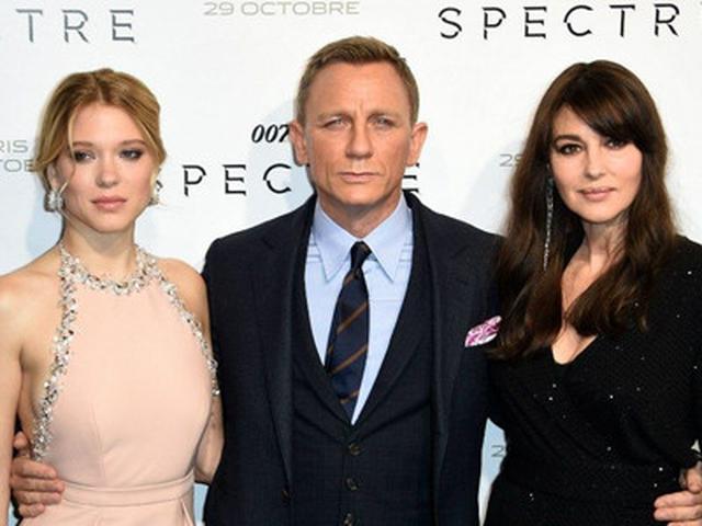 Aksi Terbaru James Bond Jam Tangan Super Stylish Thumbnail Menyaksikan Lifestyle Fimela Com