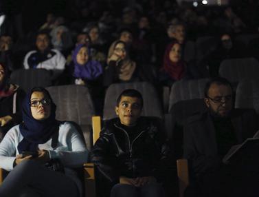 20160229-Dibalik Gemerlapnya Film Hollywood, Warga Palestina Baru Miliki Bioskop Kembali