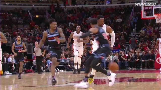 Josh Richardson mencetak 27 poin dan Hassan Whiteside menambah 18 dengan 10 rebound ketika Heat mematahkan tiga kekalahan beruntun dengan mengalahkan Bulls di jalan, 103-96.