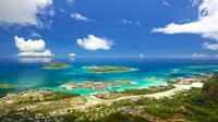 Republik Seychelles seluas 452 km persegi terdiri dari 115 pulau dengan penduduk sekitar 92 ribu jiwa. Negara ini sangat terkenal dengan pantai Anse Source d'Argent di pulau La Digue. (iStockphoto/Seychelles Dibrova)