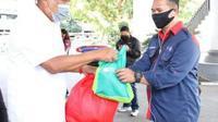 Bantuan sembako dari Pemprov Sulut untuk warga yang terdampak Covid-19.