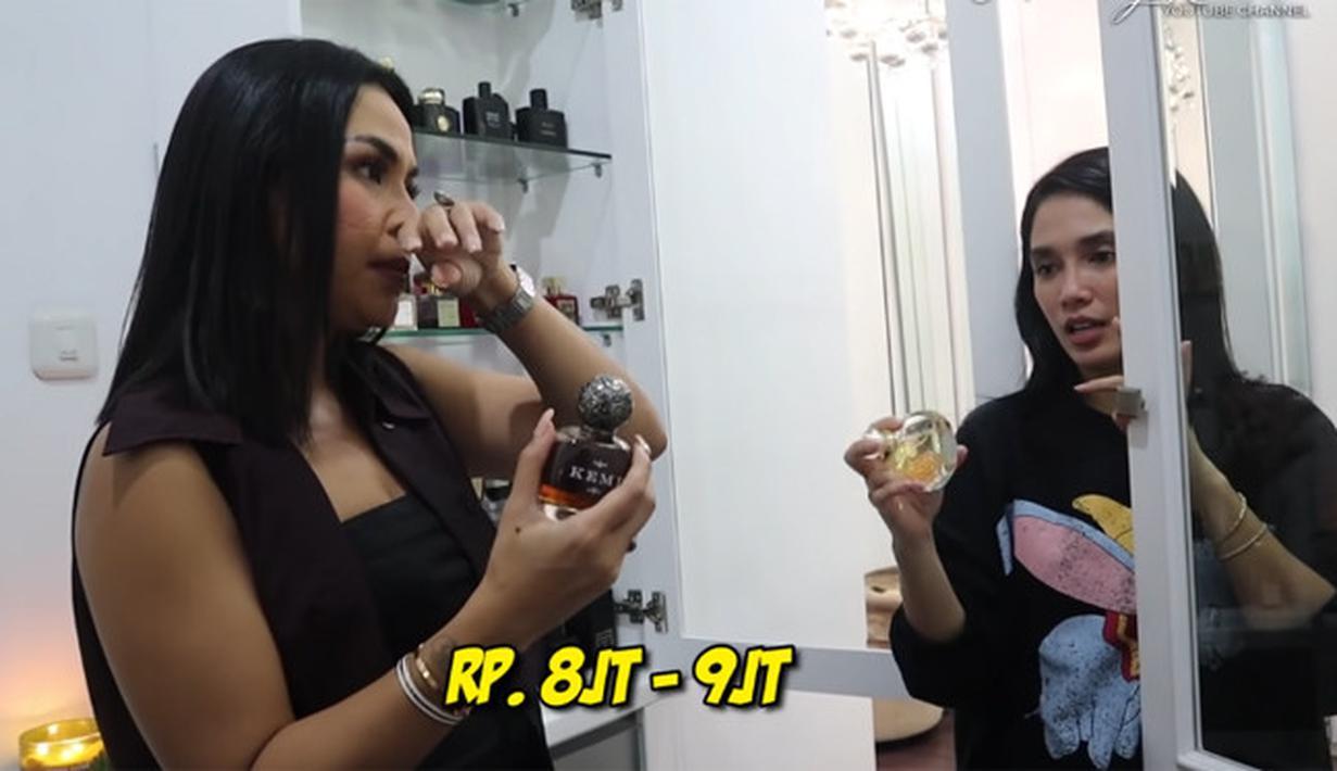 Ussy Sulistiawaty koleksi Parfum (Youtube/Melaney Ricardo)