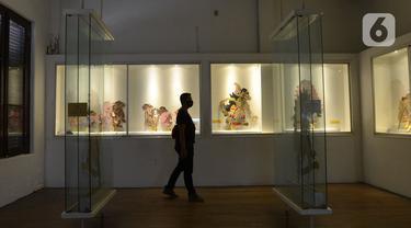 FOTO: Kembali Dibuka, Museum Wayang Terapkan Protokol Kesehatan